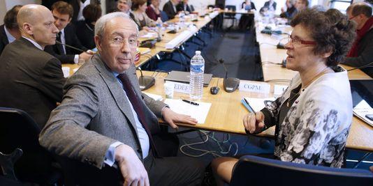 Die gespräche zwischen arbeitgebern und gewerkschaften auf der pakt haftung aufgenommen worden freitag, 28 februar, hier in der ersten reihe, der vize-präsident des arbeitgeberverbands Medef, Jean-François Pilliard und die vize-präsidentin der CGPME, Geneviève Roy.