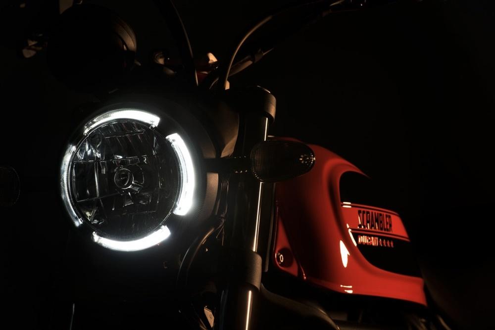 Новый скрэмблер Ducati Scrambler Sixty2 2016