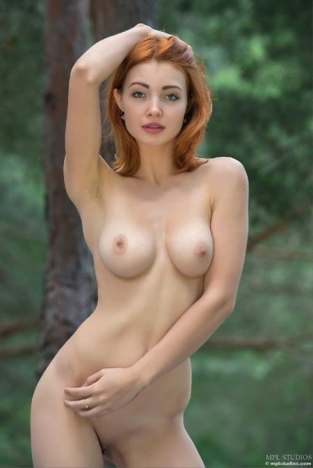 MPLStudios: Valeria - In the Pines (06*10*2014)