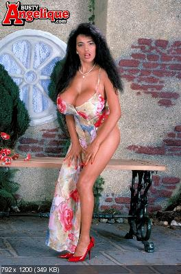 Mulatto Beauty Nude 115