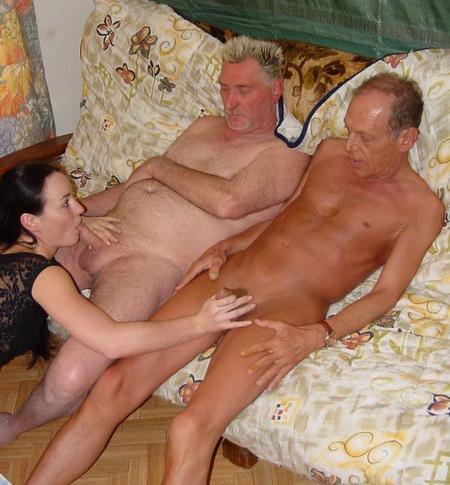 Пожилые члены пользуются успехом у слабой половины