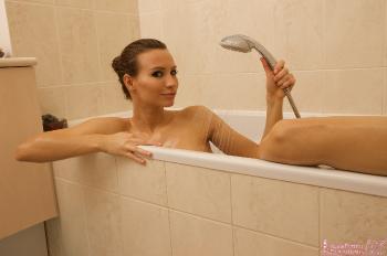 03 - Sylvia - Bath Time (105) 4000px
