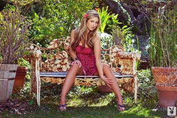 04-19 - Jessie Cabanne In The Garden