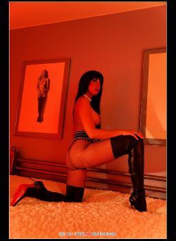 Das Rote Zimmer! Stella Van Gent In Schwarzen Overknee Stiefeln RedOptics.com