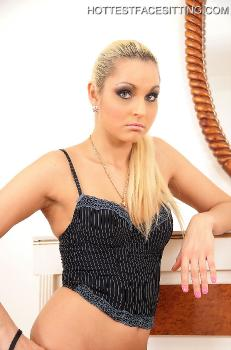 049 Mistress Viki
